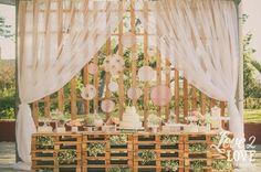 Decoração Romântica para Casamento - Tanto tempo que eu não faço um post só de decoração para vocês, não é mesmo?! Mas a postagem de hoje irá compensar toda essa ausência. É que o casamento que eu ...
