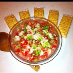 """Ceviche a la mexicana con sus galletas saladas.En """"receta pa'todos"""" esta como hacer."""