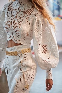 Fashion Tips Moda Fashion Details, Look Fashion, Womens Fashion, Fashion Tips, Fashion Design, Fashion Trends, Retro Fashion, Korean Fashion, Mode Hippie