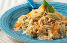 Δυο καρότα, λίγο κατίκι, λίγος δυόσμος κι έτοιμη στο άψε-σβήσε μια λαχταριστή μακαρονάδα. Rice Pasta, Yams, Greek Recipes, Spaghetti, Favorite Recipes, Diet, Baking, Healthy, Bakken