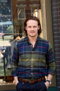 Dedicated to James Alexander Malcolm Mackenzie Fraser and all things Outlander Sam Heughan Caitriona Balfe, Sam Heughan Outlander, Sam Heugan, Sam And Cait, Young Alexander The Great, Serie Outlander, Outlander 2016, Outlander Casting, Jaime Fraser