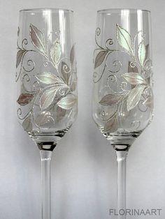 Flûtes de mariage. Champagne verres de grillage. par FLORINAART                                                                                                                                                                                 Plus