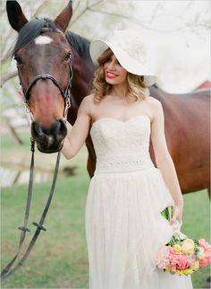 what girl doesn't love a horse? ok, i'm sure there are a few .. but don't yell at me if you don't like horses ok? (;