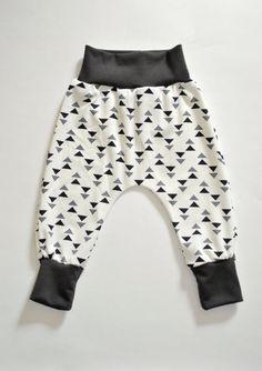 Baby Harem Leggings Newborn pants grey white by ReinetteClothing
