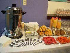 After Sunday school before church Breakfast Catering, Breakfast Buffet, Breakfast Bars, Perfect Breakfast, Breakfast Ideas, Buffets, Catering Buffet, Pause Café, Continental Breakfast