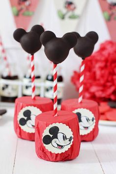 Mickey Mouse Vintage Cake Pops