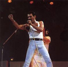 freddie-mercury LIVE AID 1985