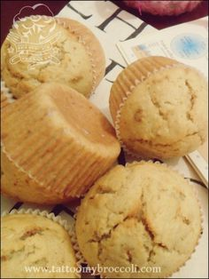 Muesli and Rye Muffins Rye Flour, Breakfast Muffins, Muesli, Broccoli, Good Food, Cheese, Tattoo, Eat, Awesome
