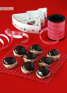 Galletas de almendra, avellana y chocolate. Receta de Navidad