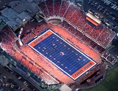Boise State Broncos LANDSCAPE YARDS SYNTHETIC TURF OUTDOOR LIVING DESIGN DREAM SOCCER FOOTBALL HOMES SPORTS SYNTURF https://www.facebook.com/Synturf-Pty-Ltd-166236286758512