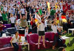 Berlin, Germany - Fans worldwide watch World Cup - Pictures - CBS News