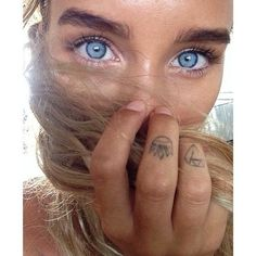i think this could be a very tanned charlie barker. it looks like h… – beauty Beautiful Eyes Color, Pretty Eyes, Cool Eyes, Gorgeous Lady, Amazing Eyes, Beauty Makeup, Eye Makeup, Hair Makeup, Hair Beauty