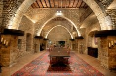 Reference: S407. Already feeling like a king? What if we tell you this property is National Historic Landmark of Spain!