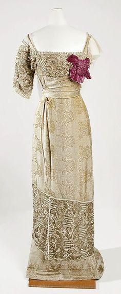 Dress Jeanne Hallée, 1910-1914 by queen