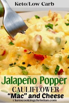 """Jalapeño Popper Cauliflower""""Mac"""" and Cheese - Keto and Low Carb All the flavors of jalapeño poppers made into a creamy and delicious cauliflower """"mac"""" and cheese! recipes Jalapeño Popper Cauliflower """"Mac"""" and Cheese - Keto and Low Carb Ketogenic Recipes, Diet Recipes, Healthy Recipes, Delicious Recipes, Slimfast Recipes, Recipes Dinner, Smoothie Recipes, Dessert Recipes, Desert Recipes"""