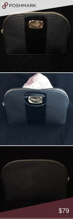 Michael Kors Met Center Stripe Travel Pouch NWT Michael Kors Met Center Stripe Travel Pouch NWT can also be used as make up pouch. 6 1/2 x 5 approx MICHAEL Michael Kors Bags Cosmetic Bags & Cases