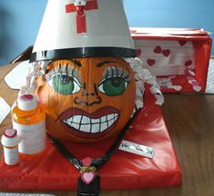 Nurse Vee Tach RN, she is a telemetry nurse. Her hair is made out of telemetry strips! Halloween Pumpkin Designs, Easy Halloween Crafts, Halloween Pumpkins, Fall Halloween, Halloween Decorations, Pumpkin Decorating Contest, Pumpkin Carving Contest, Pumpkin Carvings, Cat Pumpkin
