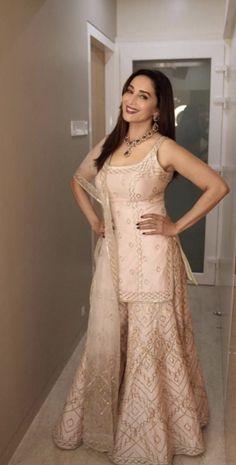 Gorgeous Madhuri Dixit Nene with her husband Dr Nene. Indian Gowns Dresses, Pakistani Dresses, Indian Outfits, Back Dress Design, Kurta Designs, Churidhar Designs, Bridal Lehenga Choli, Saree, Indian Fashion Trends