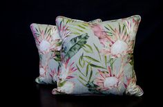 #protea #proteacushion #scattercusion #naturaldecor #greendecor #pinkdecor #livingroom Scatter Cushions, Throw Pillows, Decor Interior Design, Interior Decorating, Green Furniture, Natural Interior, Green Rooms, Raw Wood, Home Gifts
