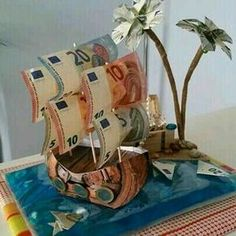 Geld liebevoll verpacken  Schiff