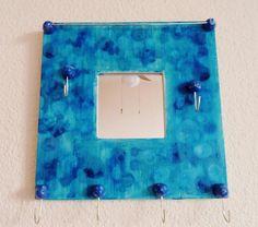 Porte bijoux mural bleu turquoise avec miroir
