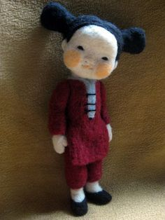 Darling Needle felted chinese girl by Barb Soet fiber art doll Needle Felted Animals, Felt Animals, Felt Dolls, Doll Toys, Wet Felting, Needle Felting, Wool Art, Paperclay, Waldorf Dolls