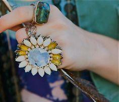 That Daisy Ring!!! I Love daisies!