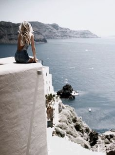 Overlooking Santorini (Photo via John Hillin)
