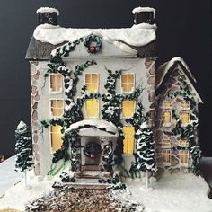 It's almost that time of year again! We run out of gingerbread houses quickly order yours today! #gingerbreadhouse #cakedecorating #cake #winterwonderland #christmas