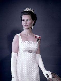 Noblesse et Royautés:  Crown Princess (now Queen) Sonja of Norway, 1970