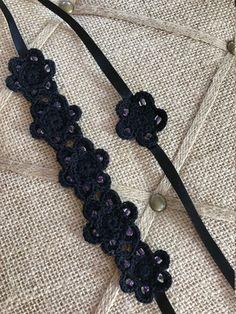 Collarino nero perline fiori collana/archetto e Set Bracciale