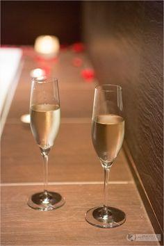 Champagne at Acquapura Spa in Schladming, Austria – Wellness & Massage - Österreich - Falkensteiner - #wellness #spa #austria