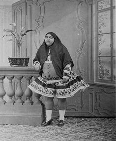 Princess Qajar was considered the ultimate symbol of beauty in Persia during the early So much in fact, a total of 13 young men killed themselves because she rejected their love. Old Pictures, Best Funny Pictures, Old Photos, Vintage Photos, Creepy History, Strange History, King Of Persia, Persian Princess, Persian Beauties