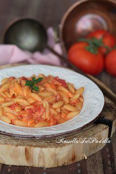 Pasta alla Gattopardo Gnocchi Recipes, Pasta Recipes, Cooking Recipes, Pasta Al Pomodoro, Ravioli, Penne, Dumplings, Food For Thought, Noodles