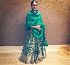 Love this Sanjay Card green banarasi lehenga on Aditi Rao Hydari Ethnic Outfits, Indian Outfits, Trendy Outfits, Banarasi Lehenga, Indian Lehenga, Sharara, Indian Look, Indian Ethnic Wear, Ethnic Fashion