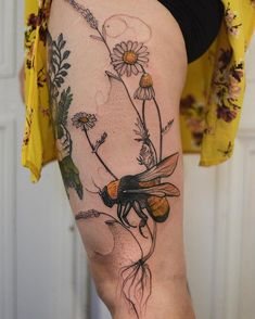 Illustrations of a Harmonious Nature: Interview with Joanna Świrska - body art Dream Tattoos, Sexy Tattoos, Cute Tattoos, Flower Tattoos, Body Art Tattoos, Sleeve Tattoos, Ink Tattoos, Bee And Flower Tattoo, Tatuajes Tattoos