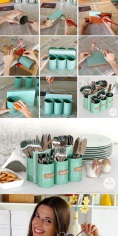 wat een leuk en handig idee, makkelijk en praktisch te maken Cutlery Storage, Cutlery Holder, Silverware Caddy, Utensil Caddy, Knife Storage, Tin Can Crafts, Fun Diy Crafts, Soup Can Crafts, Diy Crafts On A Budget
