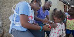 Haití: La salud de niños, mujeres y hombres en las provincias afectadas por el huracán Matthew, dos meses después | Dos meses después del paso del huracán Matthew que devastó el suroeste de Haití, miles de personas continúan afectadas por la falta de vivienda adecuada, alimentos y agua potable. Algunas comunidades remotas aún no han recibido ayuda. Esto es lo que MSF hace para ayudar a la población afectada en #Haití: