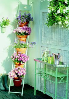 stacked flower pots, super cute, good way to add color