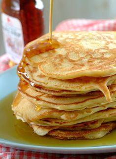 Amerikanske pannekaker Pancakes, Sweets, Snacks, Baking, Eat, Breakfast, Ethnic Recipes, Heavens, Syrup