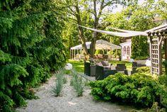 #hotel #poznań #ogród #ślubcywilny #restauracja #garden #slowfood #finedine #ślub #wesele #komunia #przyjęcie #party #event #szkolenie #konferencja #food #jedzenie #ślub #wedding #bestweddings #inspiration #trendy #tent #open #conference #kitchen #delicious #green #plants #modern #nowoczesne #feshion #trendy #poznan #wielkopolska #poland #polska Trendy, Pergola, Lavender, Outdoor Structures, Plants, Flora, Arbors, Plant, Lavandula Angustifolia