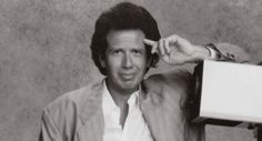 Garry Shandling dies at 66: A look back at the comedian's... #GarryShandling: Garry Shandling dies at 66: A look back at… #GarryShandling