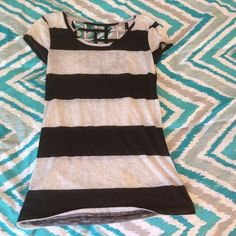 Black and White Striped Shirt - Rue21 Checkered back. No stains/rips. Rue 21 Tops Tees - Short Sleeve