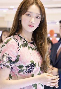 Kim Bok Joo Lee Sung Kyung, Lee Sung Kyung Doctors, Korean Actresses, Korean Actors, Korean Celebrities, Celebs, Kim Book, Weightlifting Fairy Kim Bok Joo, Korean Beauty