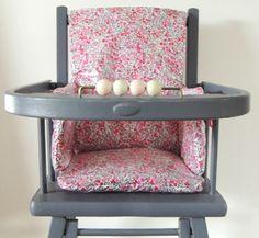 Coussin de chaise haute en Liberty enduit Demeure des Anges Chair, Sewing, Furniture, Home Decor, Cement Render, Angels, Dressmaking, Decoration Home, Couture