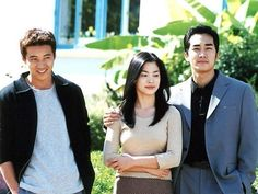 7 Sweet romantic K-dramas starring Descendants of the Sun's Song Hye Kyo Autumn In My Heart with Song Seung Hun and Won Bin Korean Drama Online, Watch Korean Drama, Won Bin, Song Seung Heon, Jung So Min, Endless Love Drama, 2000 Songs, Autumn Tale, Autumn In My Heart