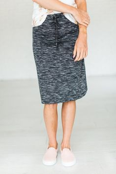 **I do earn commissions for purchases made through links in this post. Heathered charcoal mid length skirt .
