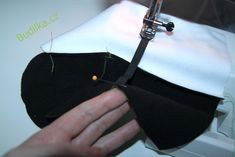 RoB: Rukavice od Budilky - fotonávod - Budilka Sewing, Bags, Fashion, Handbags, Moda, Dressmaking, Couture, Fashion Styles, Stitching