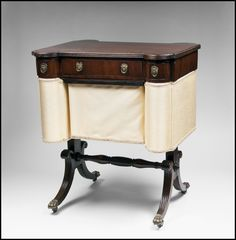 EARLY 19TH C. REGENCY SEWING TABLE, SILK FITTED BASKET