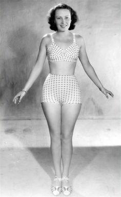 *-* Lída Baarová Dalších 5 fotografií v galerii. Paměti Lídy Baarové vycházejí v Levných knihách. | foto: REPRO Útěky Fantasy Team, Swimsuits, Bikinis, Swimwear, 1940s, Studios, Photos, Pictures, Celebrity
